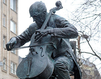 Rostropovich  monument  in Moscow