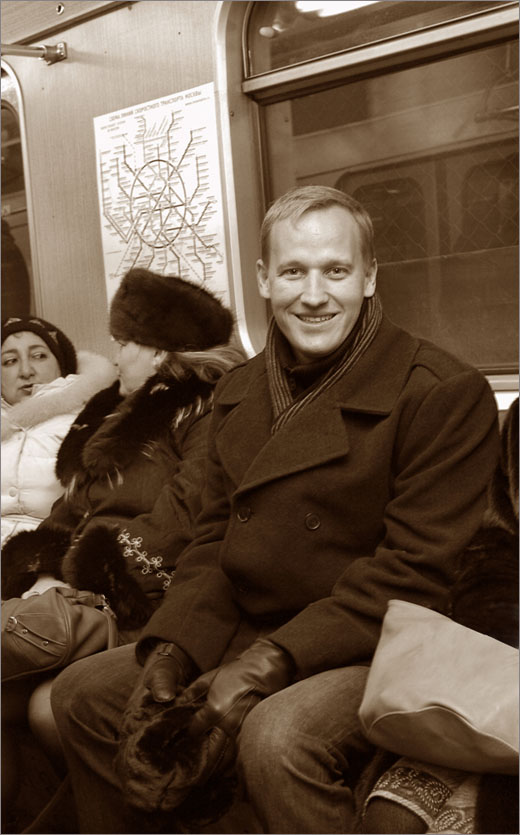 Rob Dillard in Moscow metro/  photo by Julia Trunina