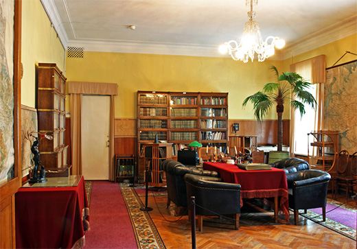 Kremlin Lenin's Office and apartment