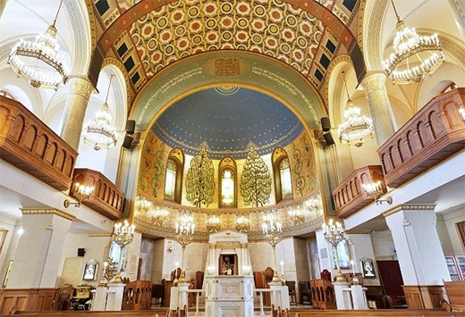 Choral Synagogue interior