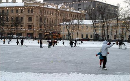 Skating rink on Chistye Prudy, 2005